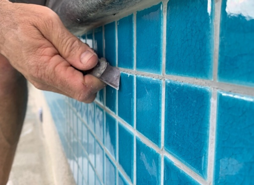 Cleaning of mosaic tiles